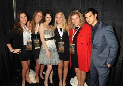 "Auburn students Sarah Kline, Julianne Robinson, Hadley Kirkpatrick and Mary Ellen Skinner pose with actors Kristen Stewart and Taylor Lautner at the ""Twilight: New Moon"" benefit premiere in Knoxville, Tenn., last Tuesday. 9."