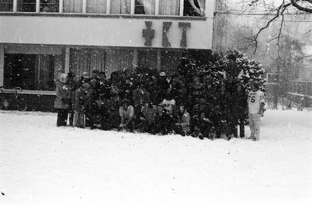 snow group front