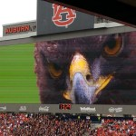 Auburn uses terrifying photo of its War Eagle to distract opposing team's kicker