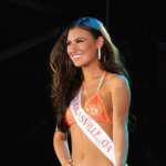 An Auburn junior is your 2019 Hooters calendar covergirl — and Miss Hooters International